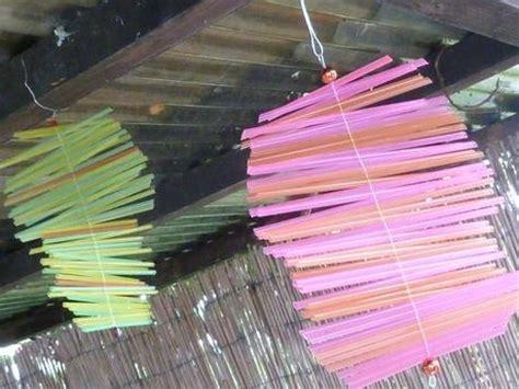 basteln mit trinkhalmen sommerlich bunt ein windspiel aus trinkhalmen