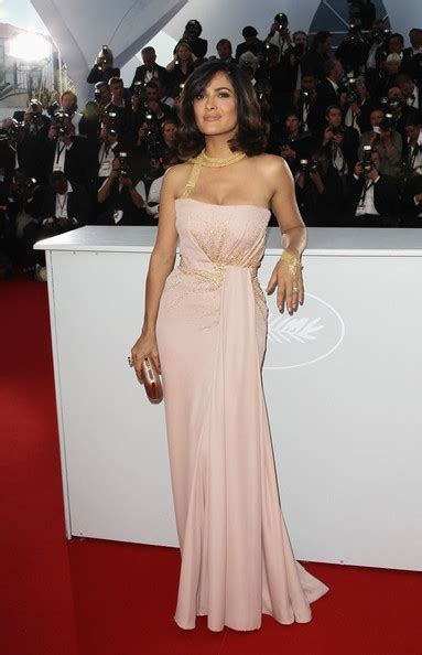 salma hayek strapless dress salma hayek stylebistro