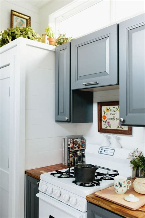 kitchen oven cabinets 17 best ideas about tiny house kitchens on 2389