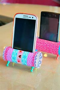diy phone holder with toilet paper rolls easy craft With what kind of paint to use on kitchen cabinets for fabriquer du papier