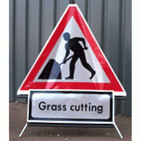 supplementary sign grass cutting