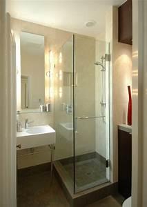 Douche Petit Espace : petite salle de bain et toilettes id es sur la d coration r ussie ~ Voncanada.com Idées de Décoration