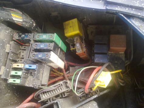 siege auto qui se tourne ventilateur radiateur ne se declenche pas renault clio