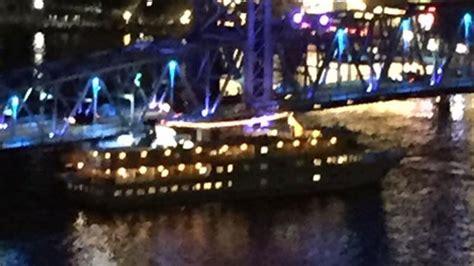 Boat Crash Jacksonville by Boat Crashes Into Bridge