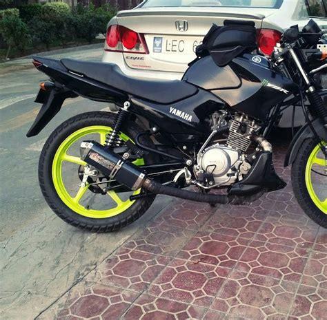 sohaib mubeen modified yamaha ybr 125 green rims custom