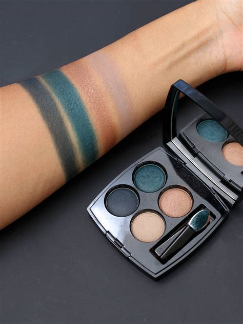 chanel road  les  ombres eyeshadow palette review