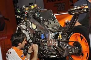 Does The 2013 Honda Rc213v Have A 90 U00b0 V4 Engine