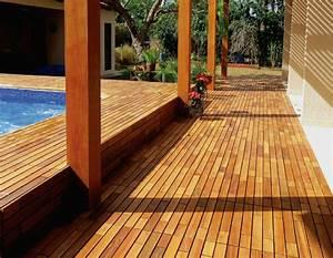 Welches Holz Für Terrasse : suelos de madera 50 ideas de terrazas preciosas ~ Frokenaadalensverden.com Haus und Dekorationen