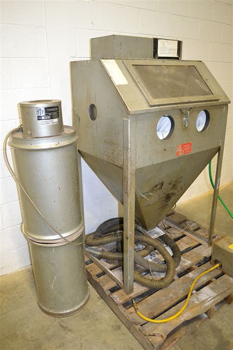 Blast Cabinet Dust Collector Shop Vac by Trinco 36 Bp2 36 Quot X 24 Quot X 23 Quot Blast Cabinet W Dust