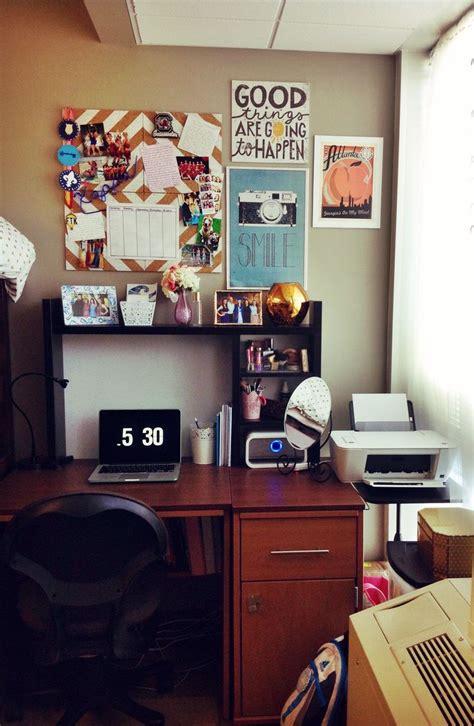 Best 25+ Dorm Room Desk Ideas On Pinterest  College Dorm