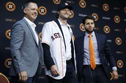 astros announce slew  front office promotions