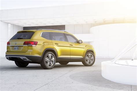 volkswagen suv volkswagen atlas revealed marks vw 39 s first 7 seater large
