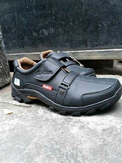 jual sepatu pria casual slip on pantofel pria kickers sepatupantofel di lapak amara pantofel