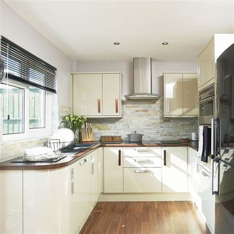 Where And Why Laminate Flooring Can Work For You Kitchen