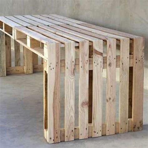 faire ses meubles de cuisine soi m麥e plan de travail en palette faire un bureau en bois de palette des mod les traiter un plan de travail de cuisine en bois brute lot central en
