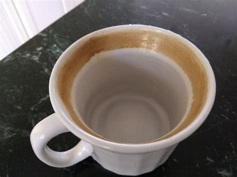 Easy Task To Clean Coffee Stains From Mugs