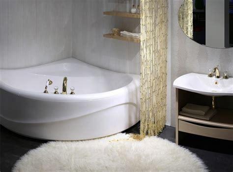 si e baignoire personnes ag s baignoire d 39 angle et solutions pour petits espaces