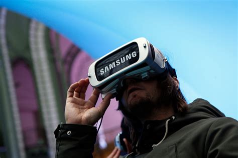 Zenimax Sues Samsung For The Gear Vr Headset Korea