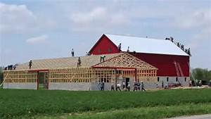 Watch amish craftsman build this barn in 10 hours for Amish home construction