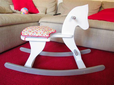 customiser cuisine ikea récupération d 39 un cheval à bascule en bois ma boîte à