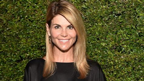 Why Lori Loughlin Isn't Completely Sold on a 'Full House ...