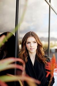 Anna Kendrick's Beauty Routine, Complete With 'Schmancy ...