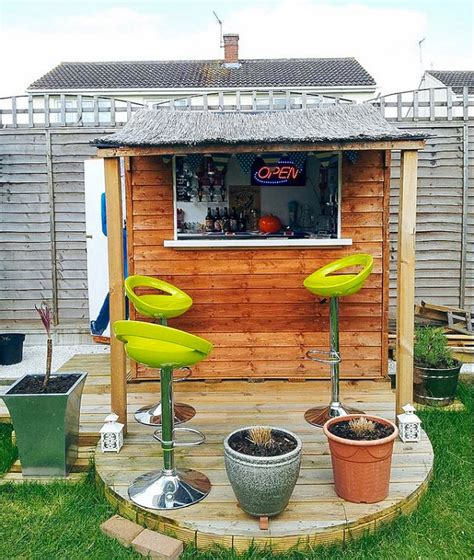 Backyard Pub by 21 Outrageously Diy Projects For Your Backyard