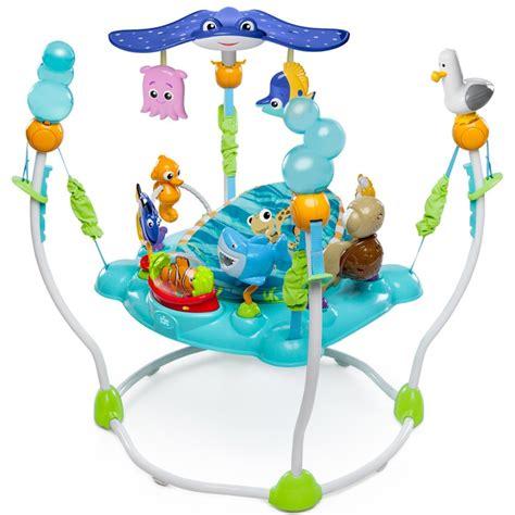 table d activité avec siege rotatif table d 39 activités jumperoo nemo de disney baby