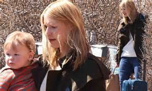 Claire Danes and baby Cyrus leave Toronto while husband ...