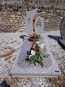 decoration tombe funeraire latest photo with decoration With chambre bébé design avec fleurs deuil a livrer