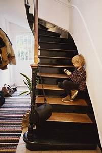 Deco Marche Escalier : on ose l 39 escalier noir stairs are in the house pinterest escaliers noirs escalier bois ~ Teatrodelosmanantiales.com Idées de Décoration