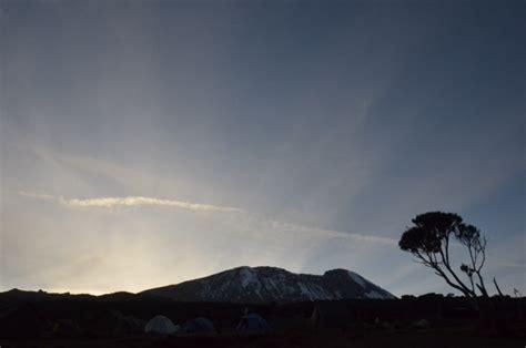 plateau canap kili climbers reach barranco c img
