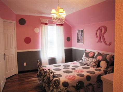 gray bedroom colors pretty in pink pink and gray girls bedroom wood circles 11716 | 40c034a7b73a6891b08538c798f5630d