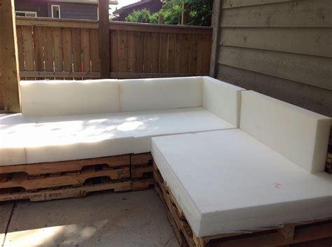 hometalk outdoor pallet sectional