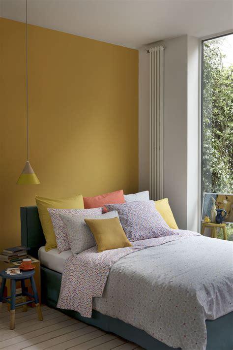 chambre bleu et jaune chambre jaune moutarde les coloris à associer