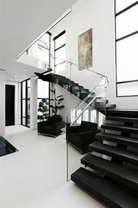 Treppe Mit Glasgeländer : treppe design lackieren home design ideen ~ Sanjose-hotels-ca.com Haus und Dekorationen
