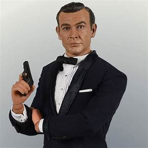 James Bond In Dr No One Sixth Scale Collectable Figure