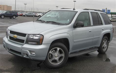 Chevrolet Trailblazer Hd Picture by Chevrolet Trailblazer Suv 2014 Prices Features Wallpapers