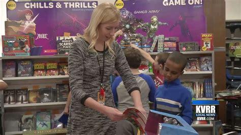 moorhead public schools encourage reading