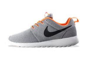 design roshe run nike roshe run wolf grey black atomic orange hypebeast