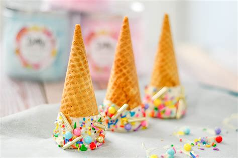 cotton candy ice cream cone party favors pink cake plate