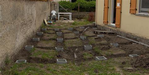 plots beton pour terrasse bois nivrem construire une terrasse en bois plot beton diverses id 233 es de conception de patio