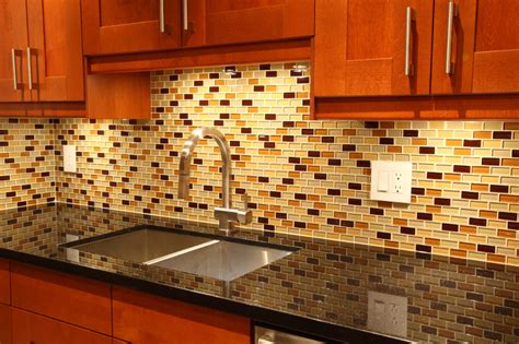 backsplash    granite countertops