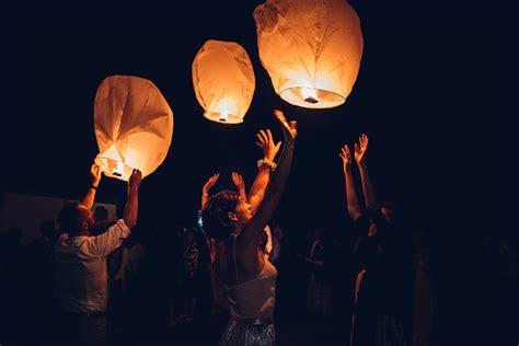 Lanterne Cinesi Volanti by Anacapri Con Una Ordinanza Il Sindaco Ha Vietati Il