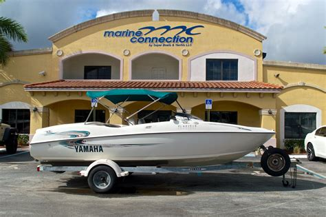 Small Yamaha Jet Boats For Sale by Used 2000 Yamaha Ls2000 Jet Boat Boat For Sale In