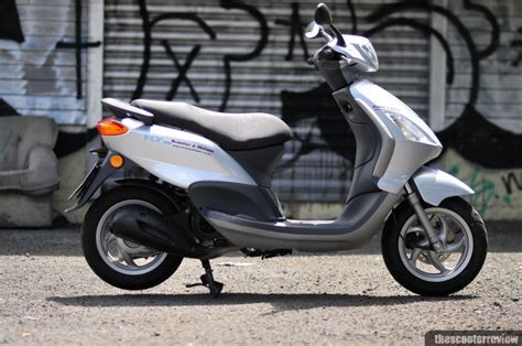 piaggio fly 125 piaggio fly 125 the scooter review