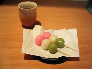 File:Hanami Dango.jpg - Wikimedia Commons