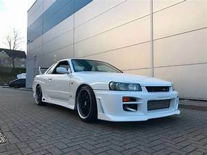 Nissan Skyline R34 Owners Manual