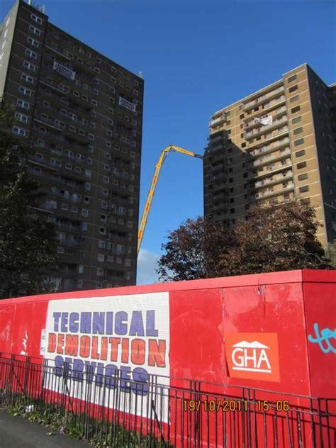 ibroxholm tower blocks high reach demolition glasgow