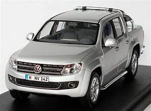 Pick Up Volkswagen Amarok : 1 43 vw amarok pick up 2010 silver silber volkswagen ~ Melissatoandfro.com Idées de Décoration